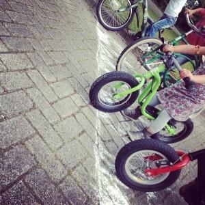 Stoepkrijt spelletjes fietsrace I Creatief lifestyle blog Badschuim