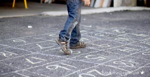 Stoepkrijt spelletjes tel doolhof leren tellen 1 I Creatief lifestyle blog Badschuim