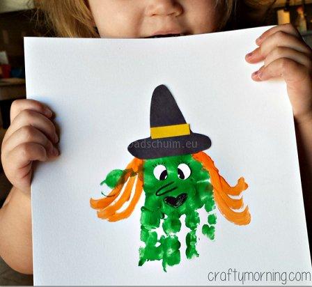 Knutselen Halloween - handafdruk vingerverf heks I te vinden op het creatief lifestyle blog Badschuim