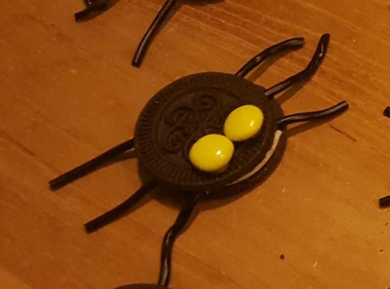 Oreo spinnen traktatie - Super enge spinnenkoekjes trakteren