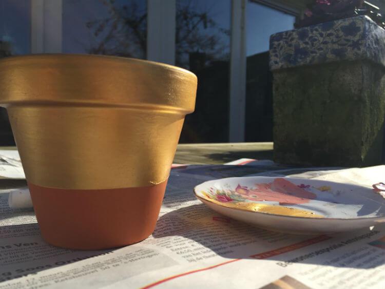Terracotta bloempotjes verven - pimp je bloempot DIY_08