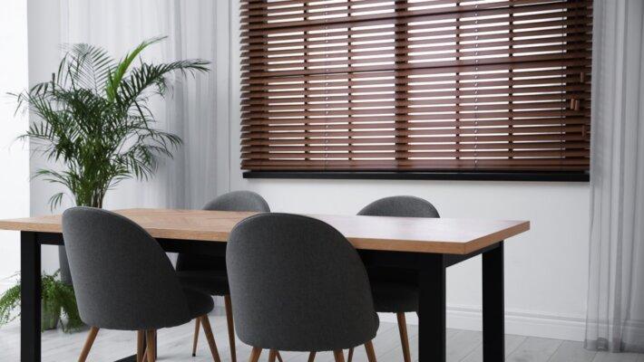 Trendy houten jaloezieën praktisch én stijlvol