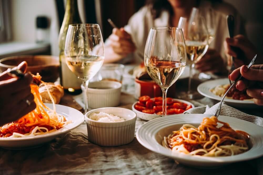 Zo organiseer je het leukste diner voor je gasten